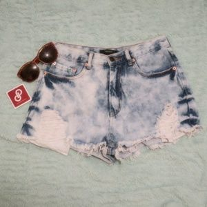 Distressed Demin Jeans